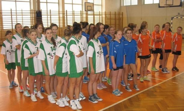 Gminna Gimnazjada w koszykówce dziewcząt (12.11.2013 r.)