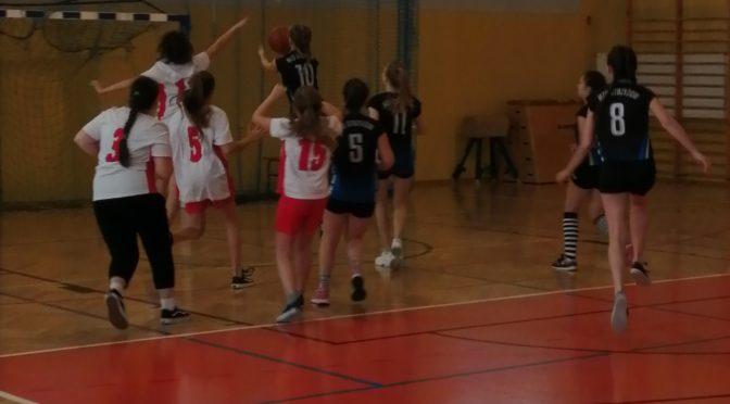 Gminne Igrzyska Dzieci w koszykówce dziewcząt