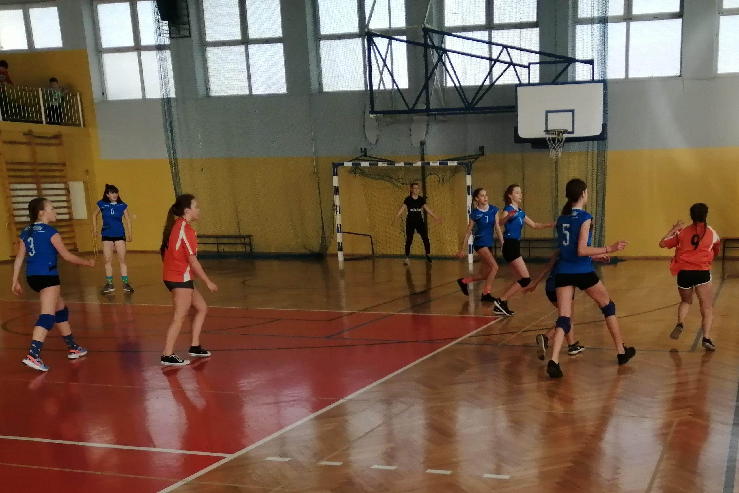 Gminne Igrzyska Młodzieży Szkolnej w piłce ręcznej dziewcząt